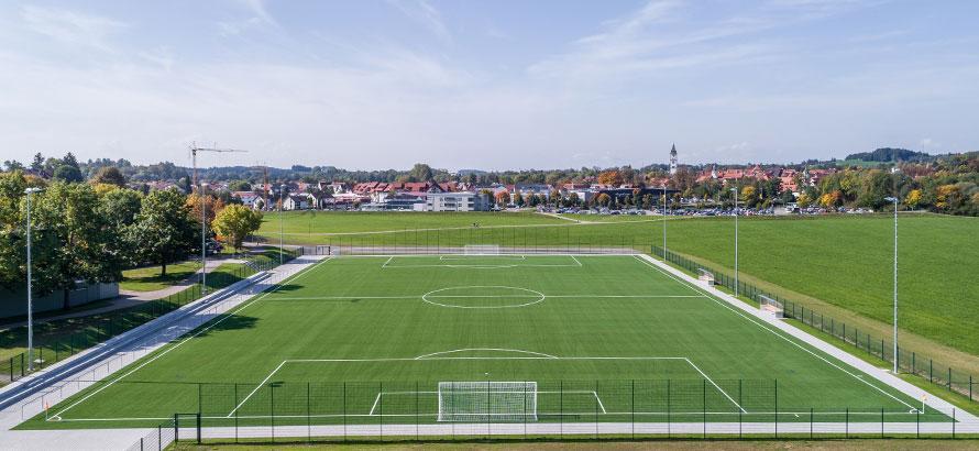 https://rasen-kunststoff-sport.com/wp-content/uploads/2019/12/sportplatz_wangen_web.jpg