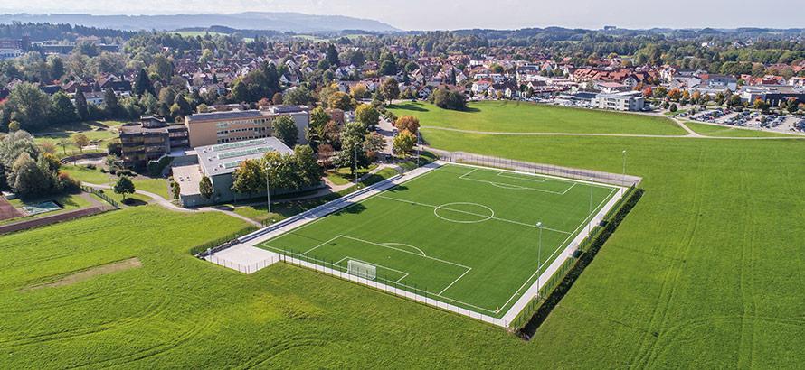 https://rasen-kunststoff-sport.com/wp-content/uploads/2020/09/kunstrasenplatz.jpg